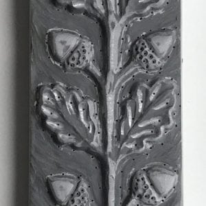 acorn-oak-leaf-totem